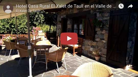entrada hotel casa rural el xalet de taüll en el valle de boí